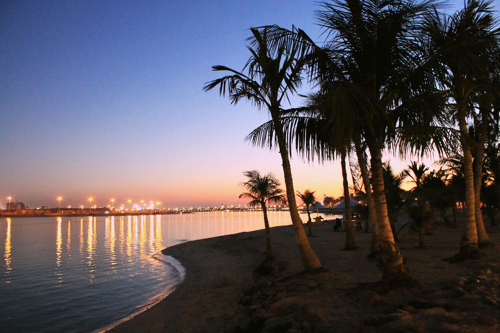 Al mamzar beach park пляж фото