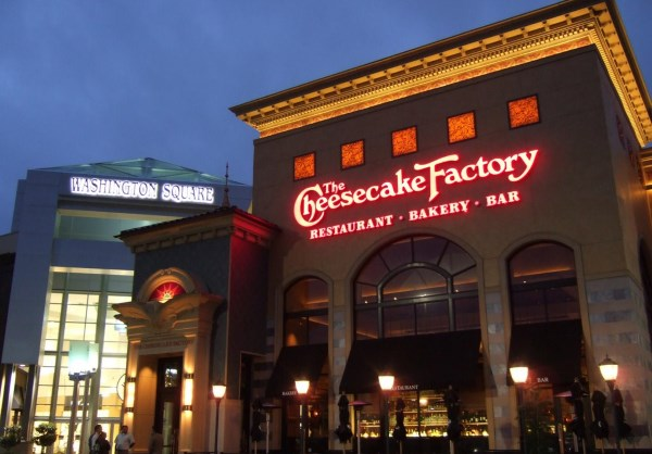 Ресторан Cheesecake Factory в Вашингтоне